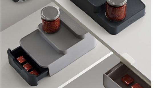 JosephJoseph CupboardStore™ Kompakter gestufter Organizer mit Schublade